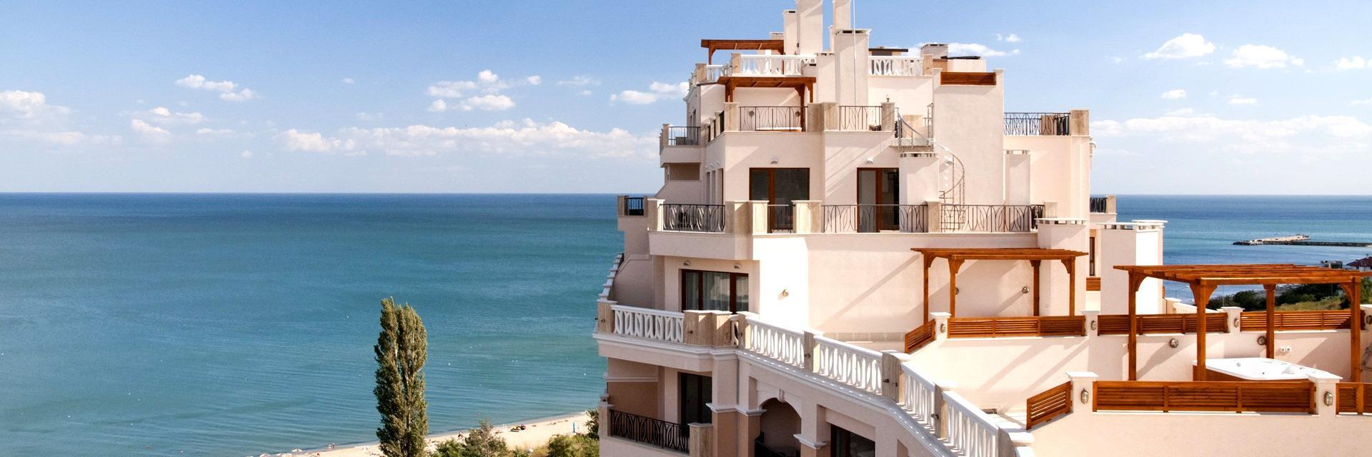 Луксозен тристаен апартамент с прекрасна морска гледка