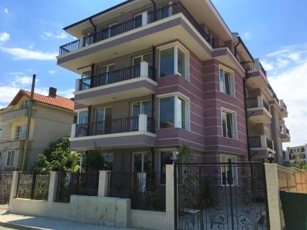 Нова сграда с двустайни апартаменти в Равда