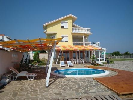 Къща с морска гледка в Черноморец
