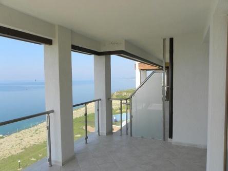 Тристаен апартамент с отлична морска панорама на добра цена