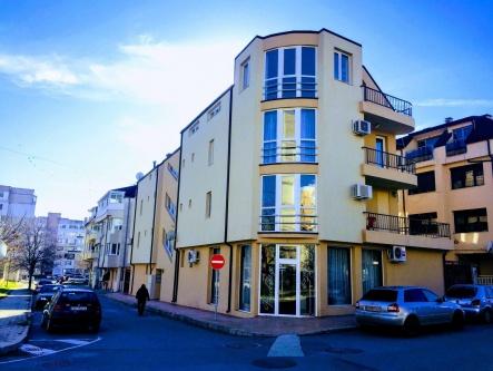 Апартамент с три спални в центъра на Сливен до площад Левски