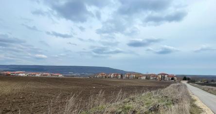 Парцел за строителство близо до Албена