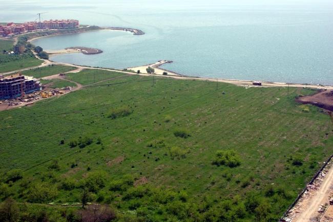Парцели на първа линия море до Ахелой