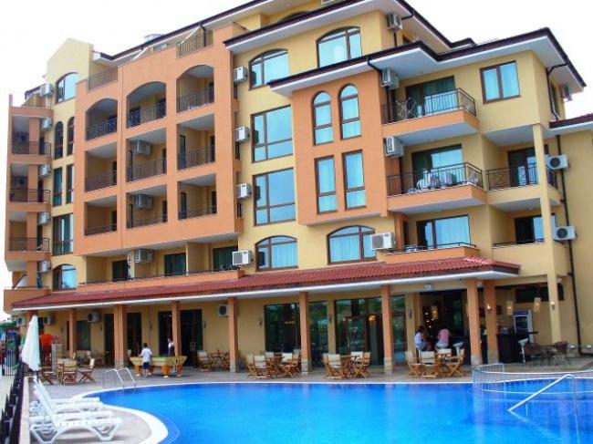 Апартамент на изплащане за 3 години в Слънчев Бряг пред плаж