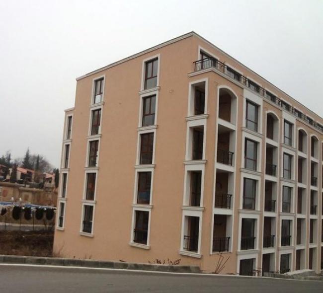 Продава ваканционни апартаменти в Елените