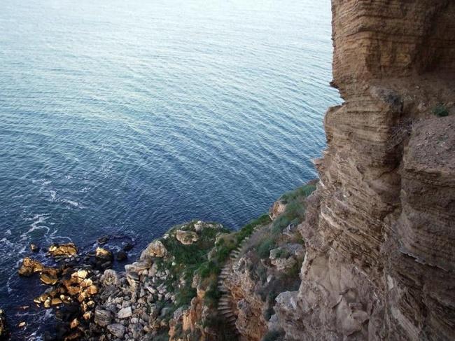 Парцел 200 дка на море до комплекс Русалка