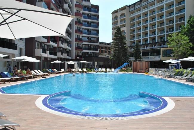 Апартаменти с топ локация в Слънчев Бряг