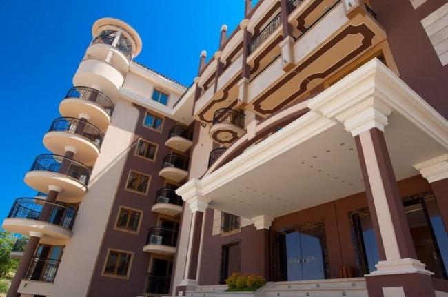Апартаменти на първа линия в Слънчев Бряг