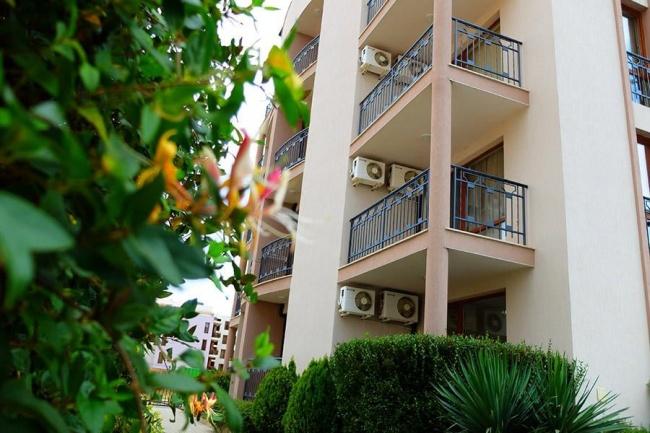 Апартаменти до парк в Слънчев Бряг