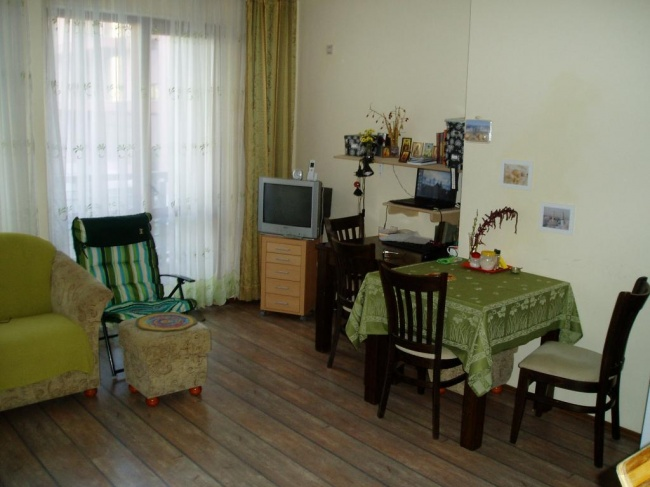 Тристаен апартамент в Несебър до плаж