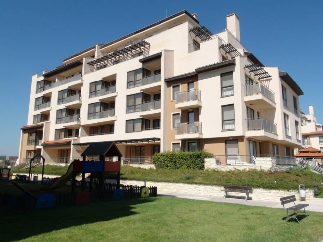Апартамент с две спални на първа линия море в Обзор