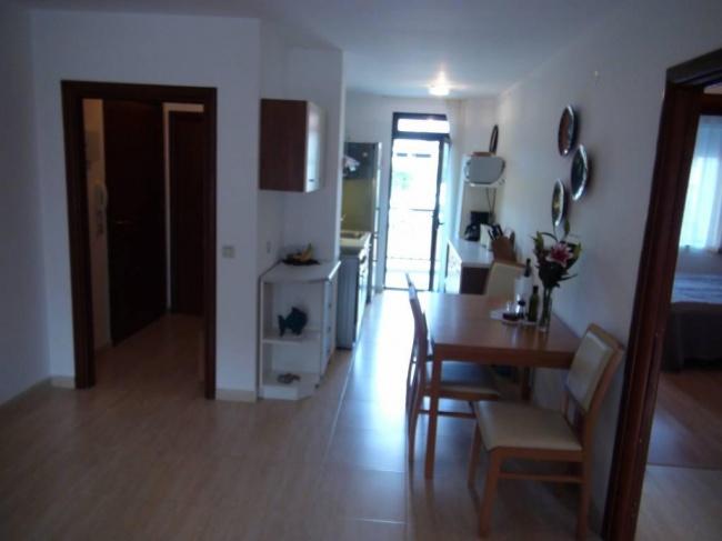 Апартамент с 2 спални в к-с Етара 2, Свети Влас