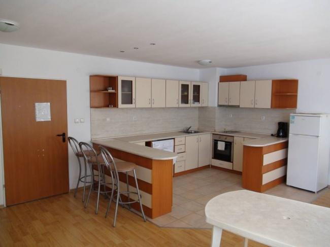 Апартамент с 3 спални до плаж в Сарафово