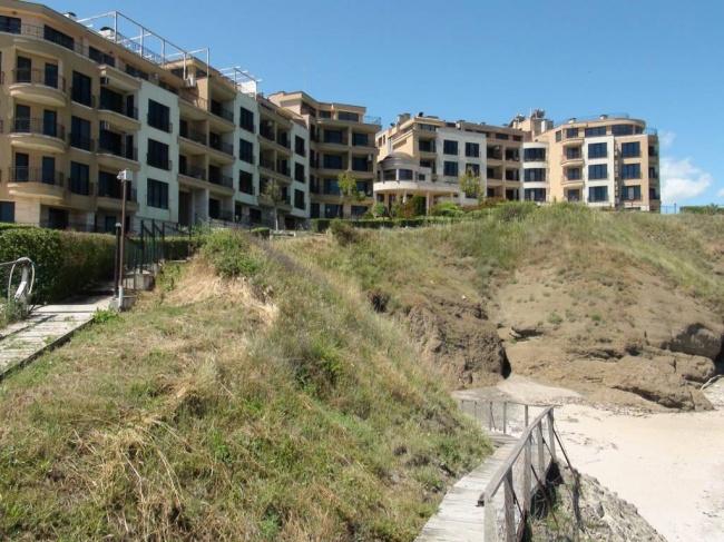 Апартамент на първа линия море в Лозенец