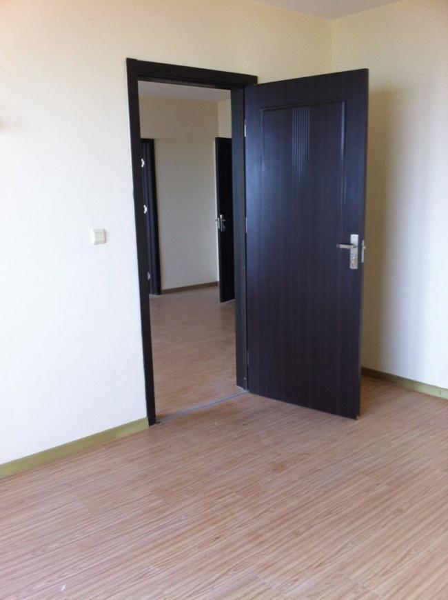 Тристаен апартамент в к.к. Чайка до Златни Пясъци