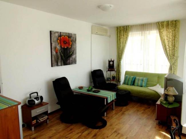Тристаен апартамент в Сарафово с обзавеждане