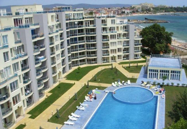 Тристаен апартамент пред плаж в Равда на супер цена