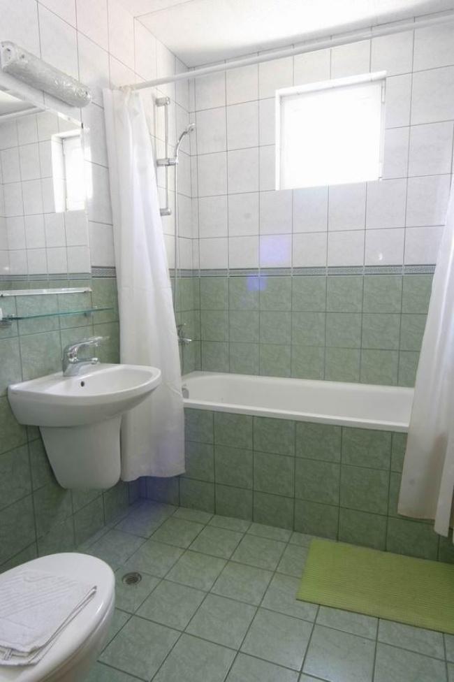 Хотел за продажба в св. Константин и Елена