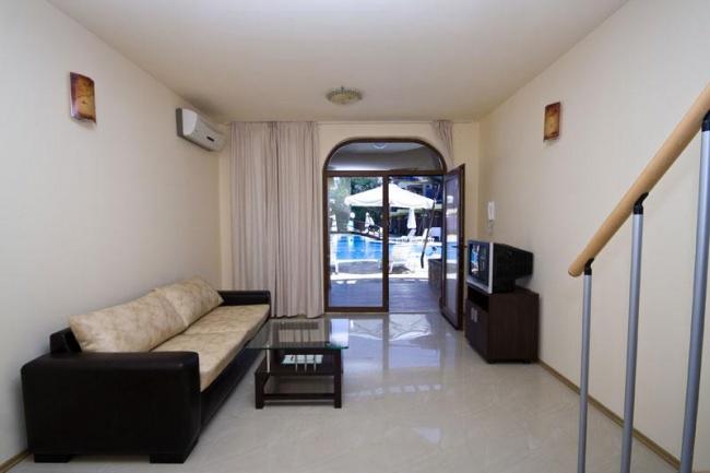 Продава апартаменти до къмпинг Градина Черноморец