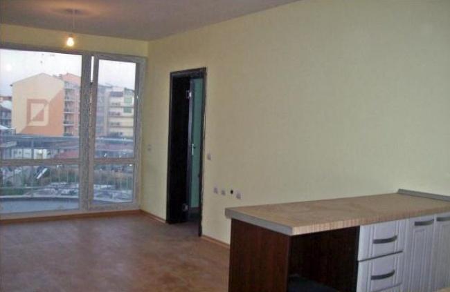 Апартаменти на първа линия в Приморско