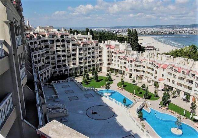 Супер луксозни апартаменти до плаж във Варна