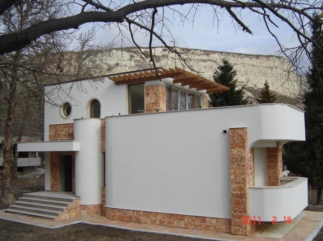 Къщи до брега на морето в Балчик