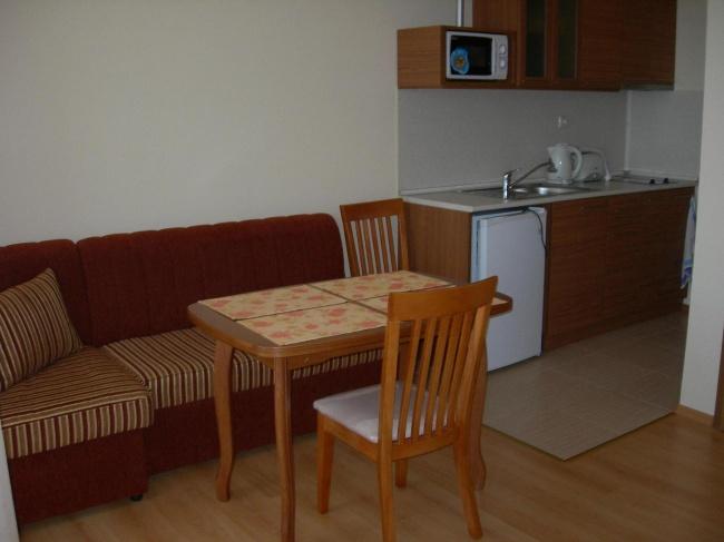 Апартаменти до санаториума в Свети Влас