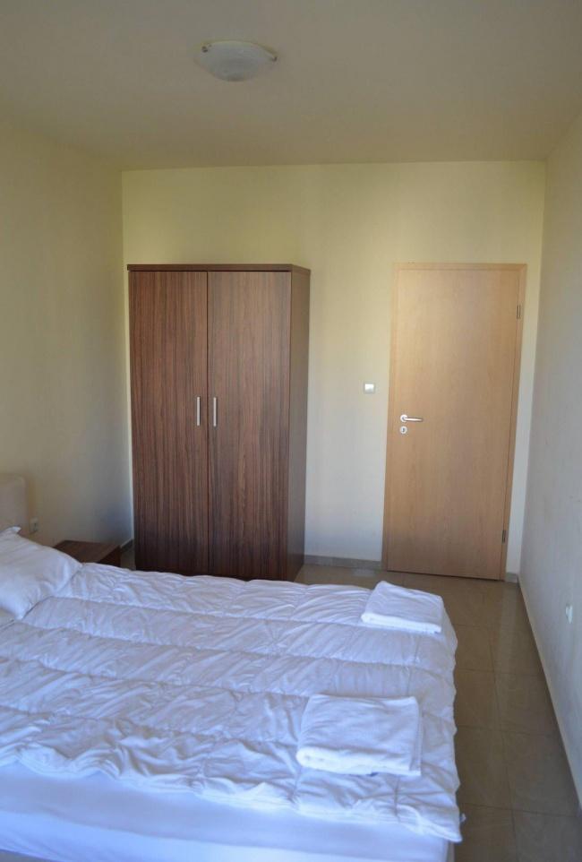 Двустаен обзаведен апартамент в Слънчев Бряг на ниска цена