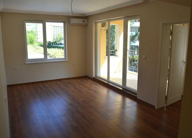 Апартаменти и офиси за продажба в Слънчев Бряг