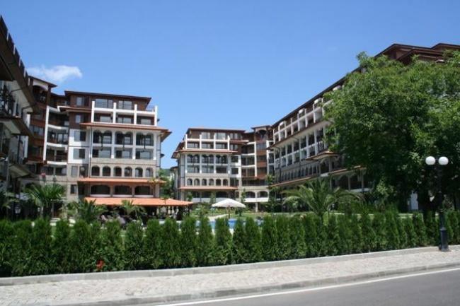 Комплекс Олимп Свети Влас - нови апартаменти до плажа