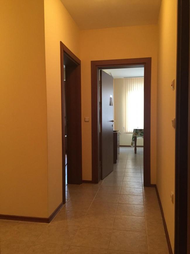 Обзаведен тристаен апартамент на море до Балчик