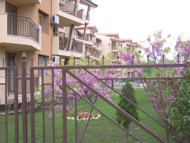 Продажба на апартаменти до къмпинг Нестинарка в Царево