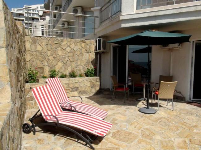 Двустаен апартамент в Свети Влас с морска гледка