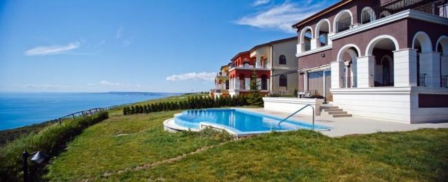 Апартаменти и къщи за продажба в Лайтхаус Голф до Балчик