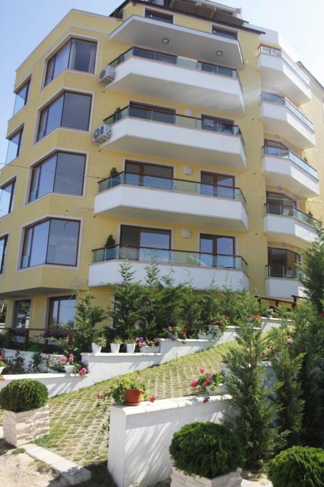 Продажба на апартаменти в Обзор с ниски цени