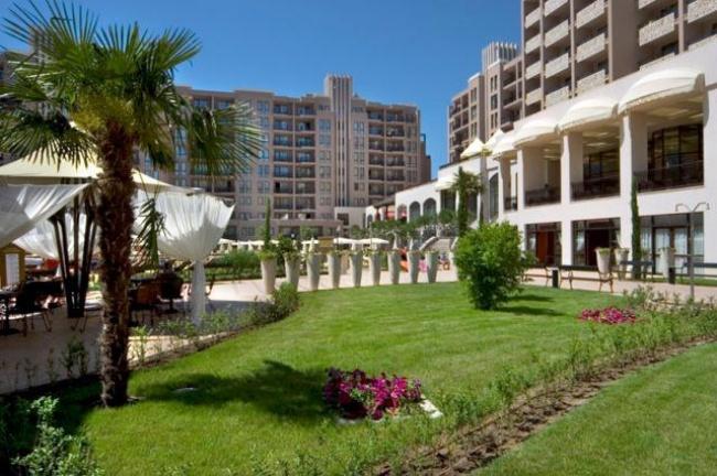 Royal Beach - уникални апартаменти на 50 м от плажа в Слънчев бряг
