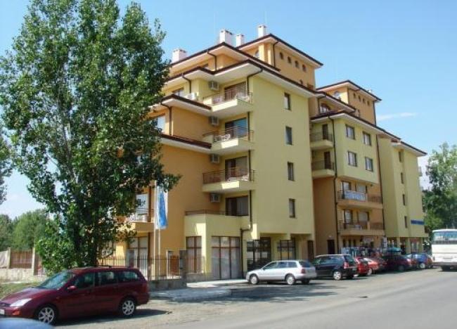 Обзаведени апартаменти в центъра на Слънчев Бряг