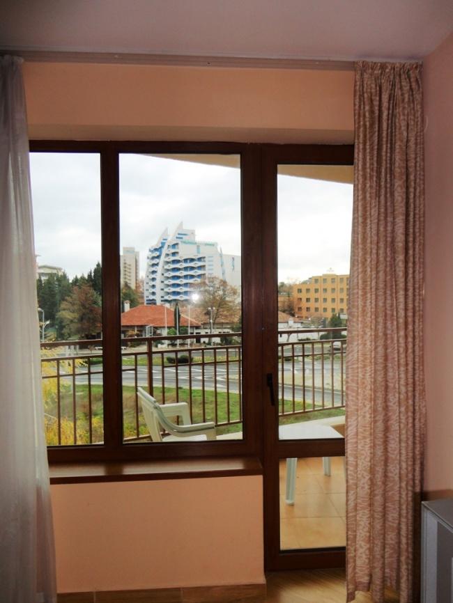 Просторен двустаен апартамент в Слънчев Бряг
