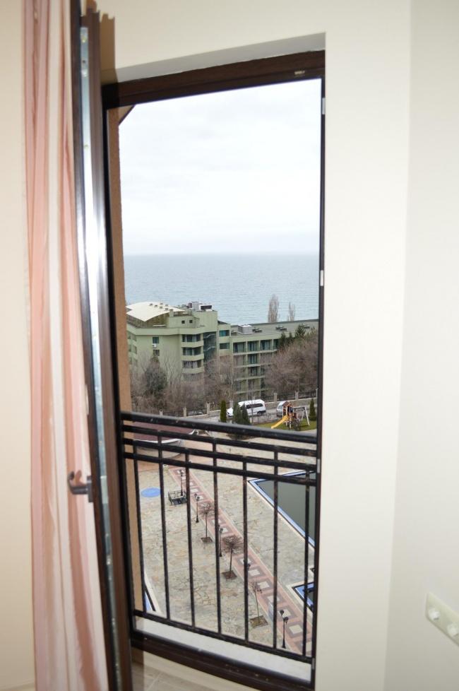 Продава апартамент в Златни Пясъци с морска гледка