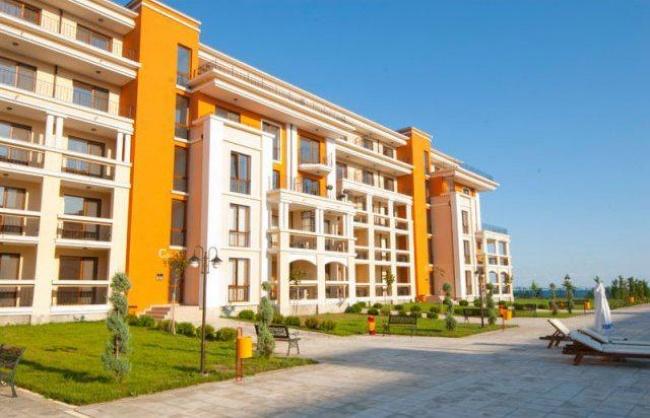 Луксозни апартаменти на първа морска линия 7 години изплащане