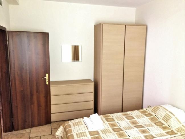 Фронтален обзаведен апартамент с две спални в комплекс Калиакриа