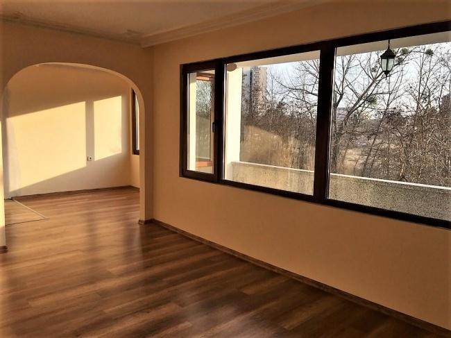 Многостаен апартамент в Несебър до дюните