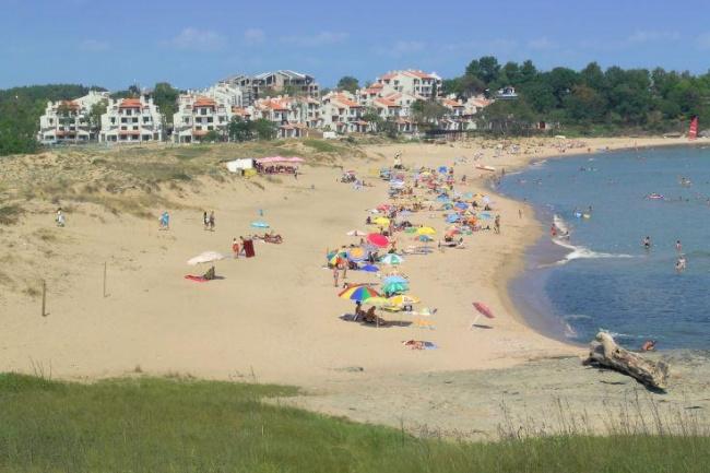 Вила на плаж до Лозенец