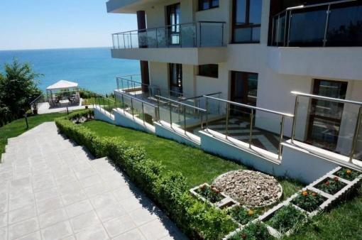 Апартамент с градина пред плаж