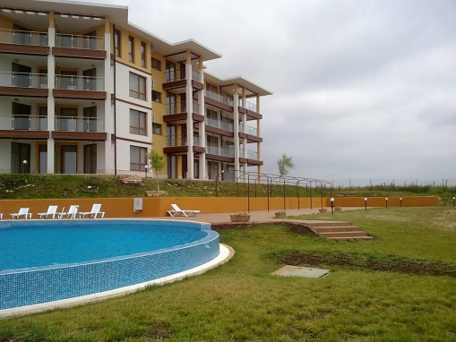 Евтин двустаен апартамент с морска гледка