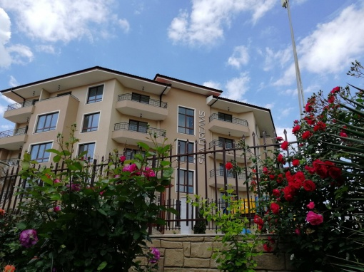 Тристаен апартамент на изплащане в Св. Влас