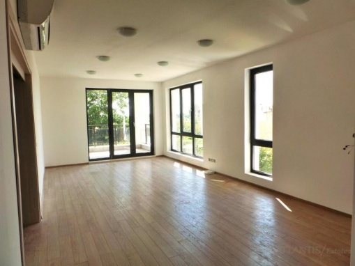 Апартамент с три спални в Бургас