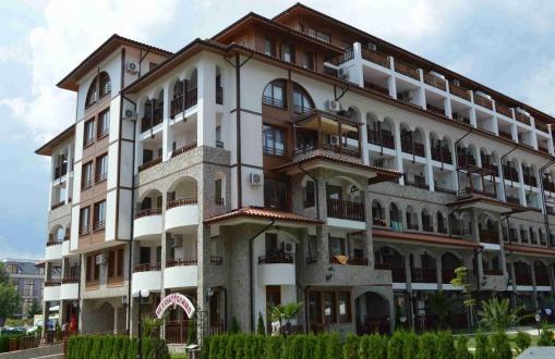 Тристаен апартамент в Свети Влас топ локация