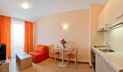 Двустаен апартамент в модерен ваканционен комплекс в Слънчев Бряг